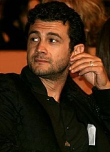 Vinicio Marchioni, protagonista di Un Consiglio a Dio di Sandro Dionisio, coprodotto da Pigrecoemme insieme con Gianluca Arcopinto